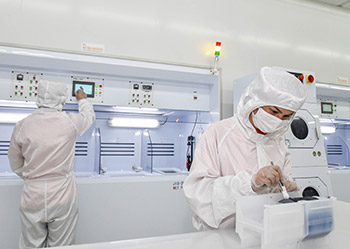 Taizhou's first fab was completed and put into production. The third generation of semiconductors went from Taizhou to the world.
